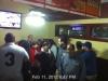 Haciendo fila para comer en el Golden Corral. KP4TR asustao con la camara de seguridad :-)